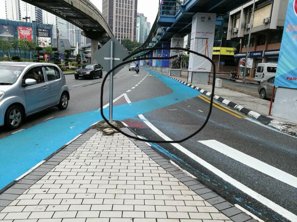useless road user - 960×720