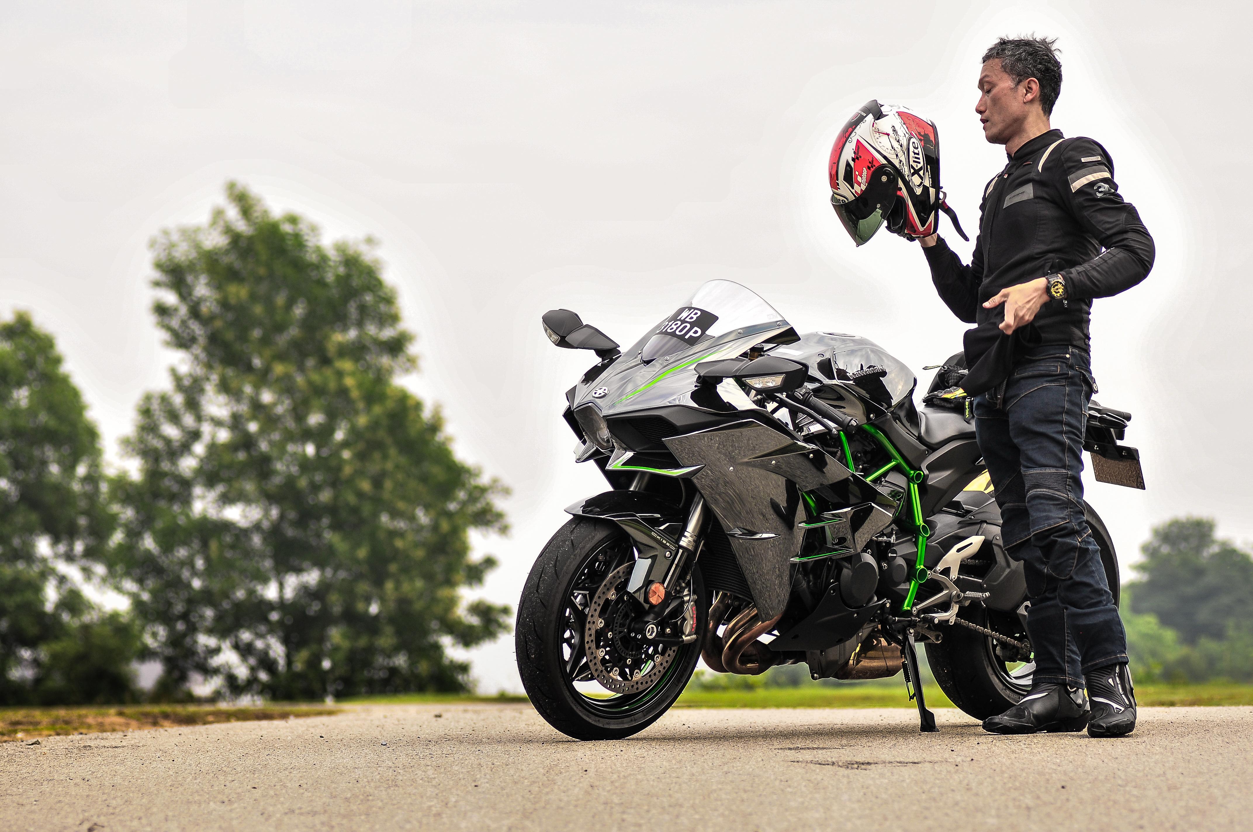 kenapa motosikal rasa lembab?   careta