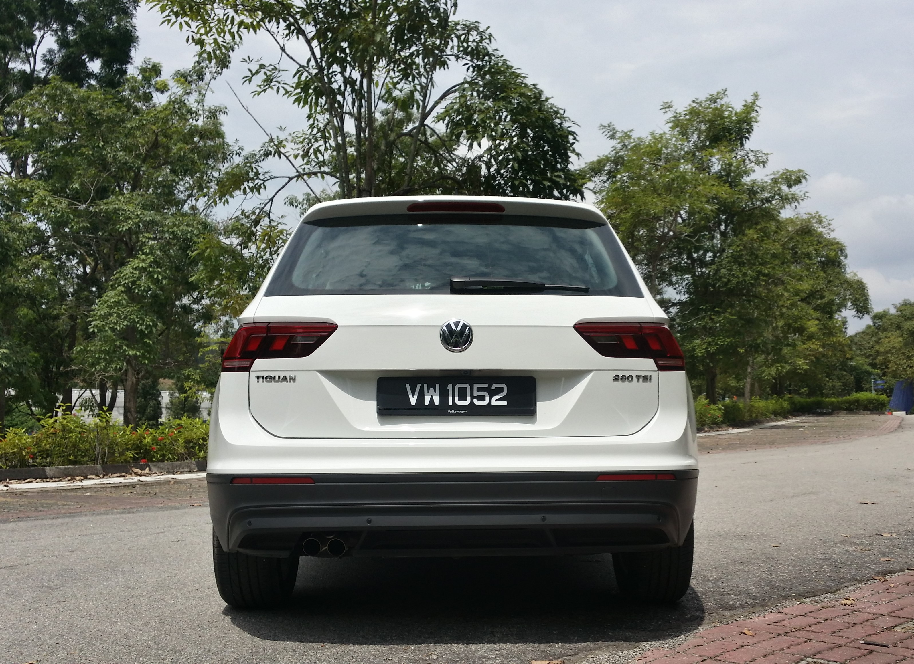 tiguan back view