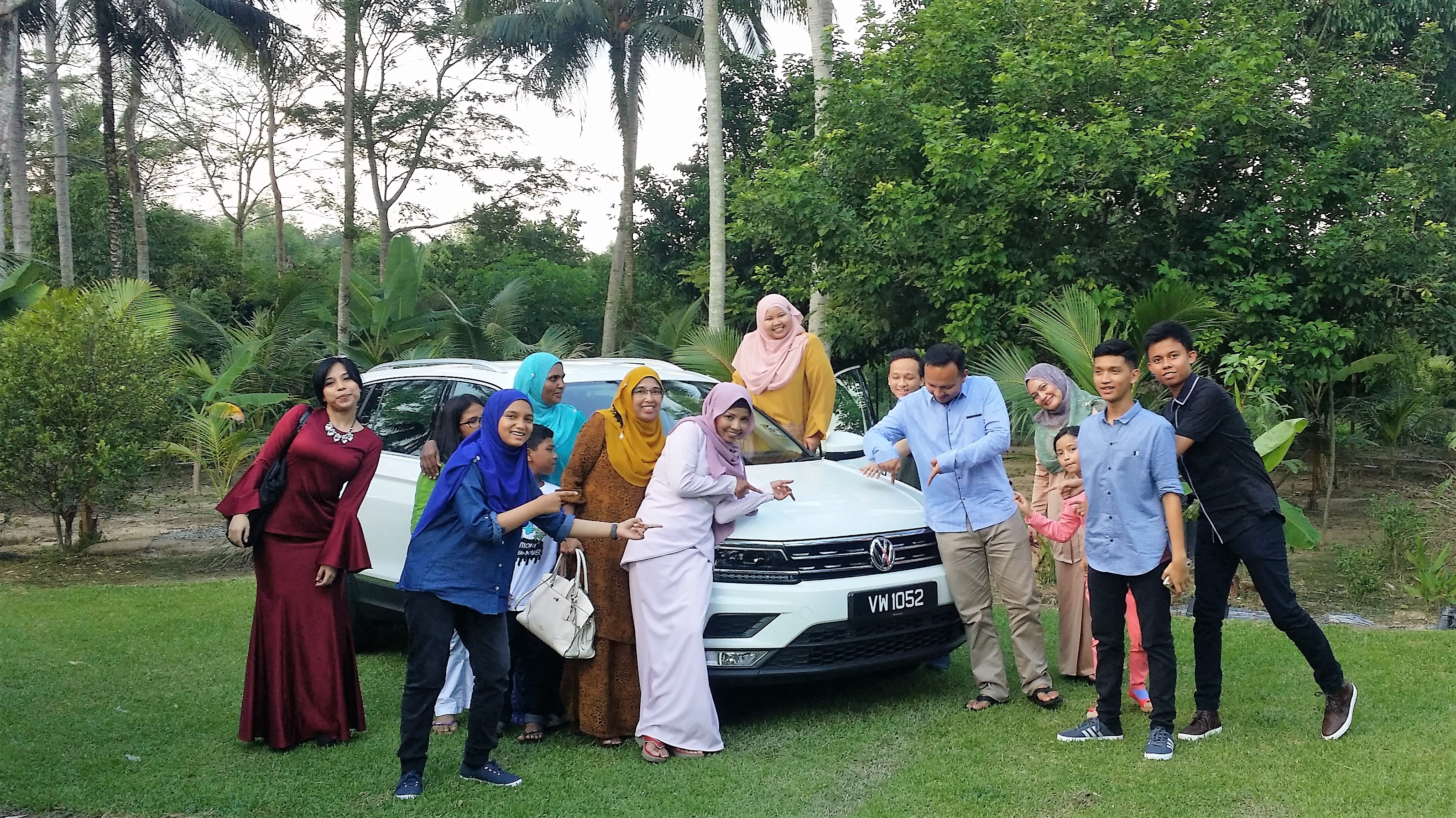 tiguan with family